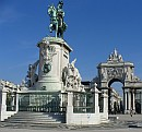 Statue of King José I and triumphal arch